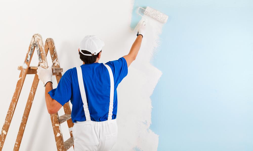 målar vägg vit