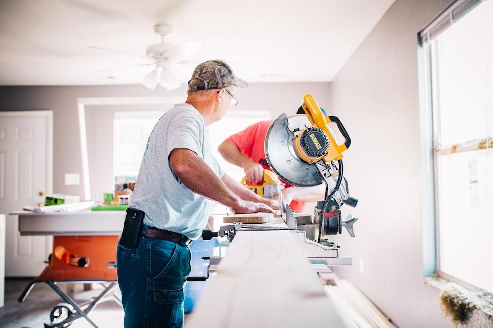 renovera eller bygga hus