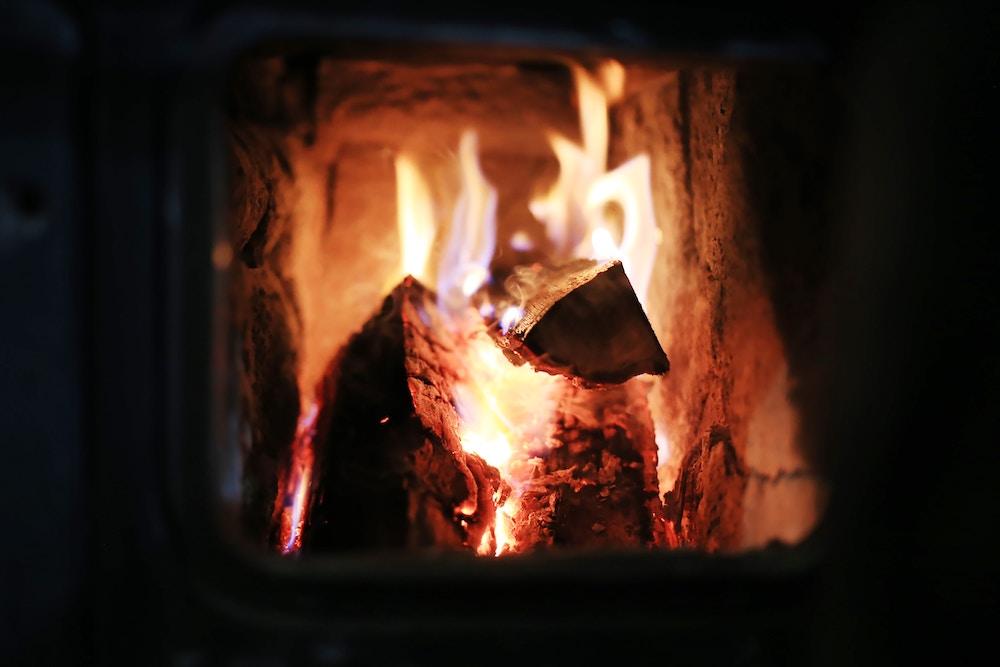 vinter i värme_eldstad